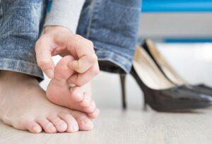 Jellemző tünetek a köröm gomba